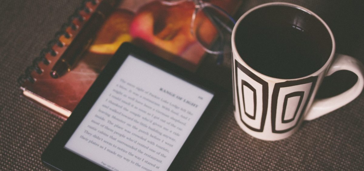 Comparing eBooks And Print Books | Are eBooks better than traditional books?