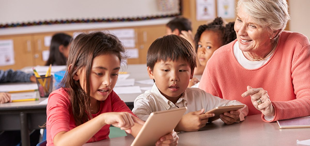 4 Ways Technology Improves Teaching for the Next Generation